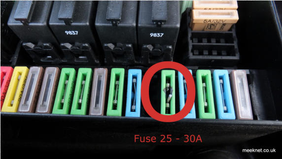bmw e31 (840ci and 850ci) auxiliary (a/c) fan replacement 1997 bmw 318i fuse box location 1997 bmw 840ci fuse box #3