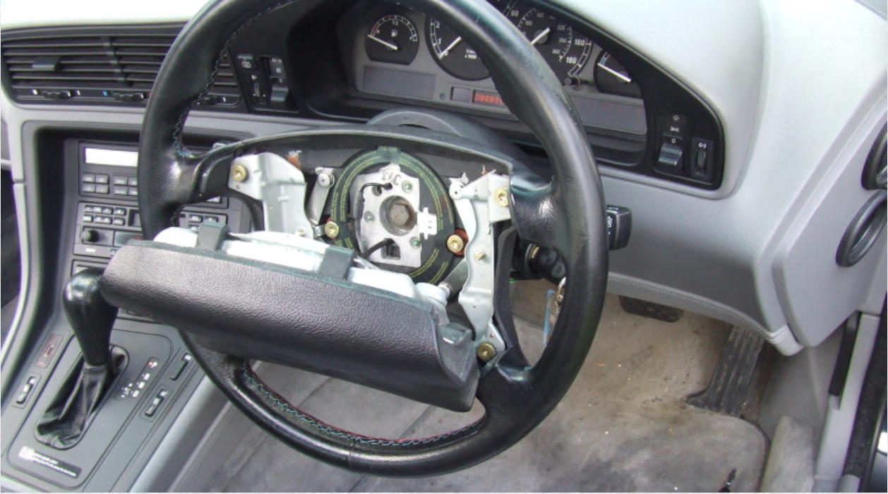 BMW E31 Changing Steering Wheel
