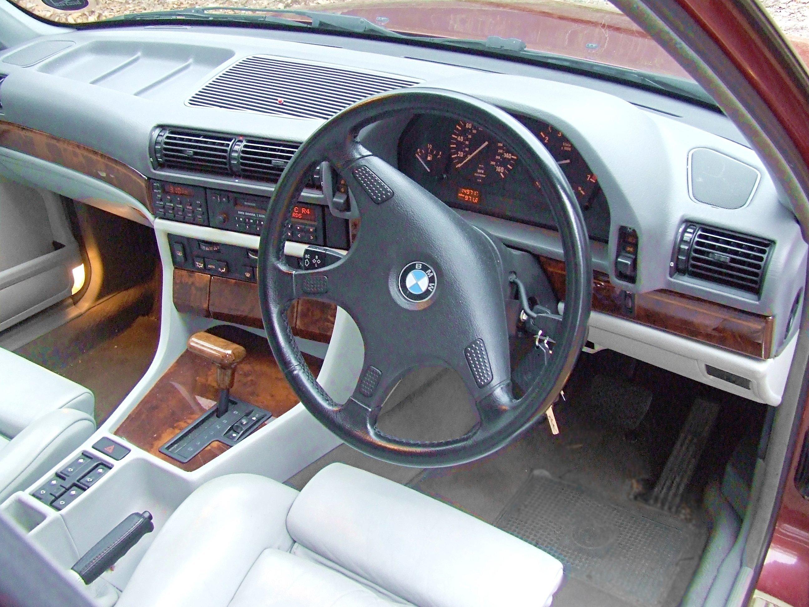 Timm's BMW E32 7-Series 730i V8 M60