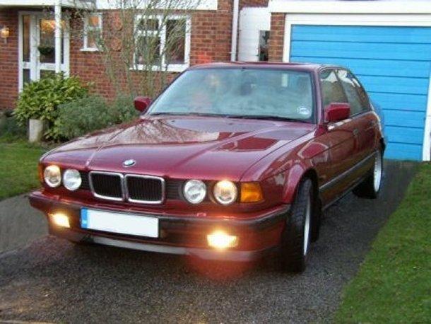 Bmw 730i E32. BMW E32 730i 740i V8