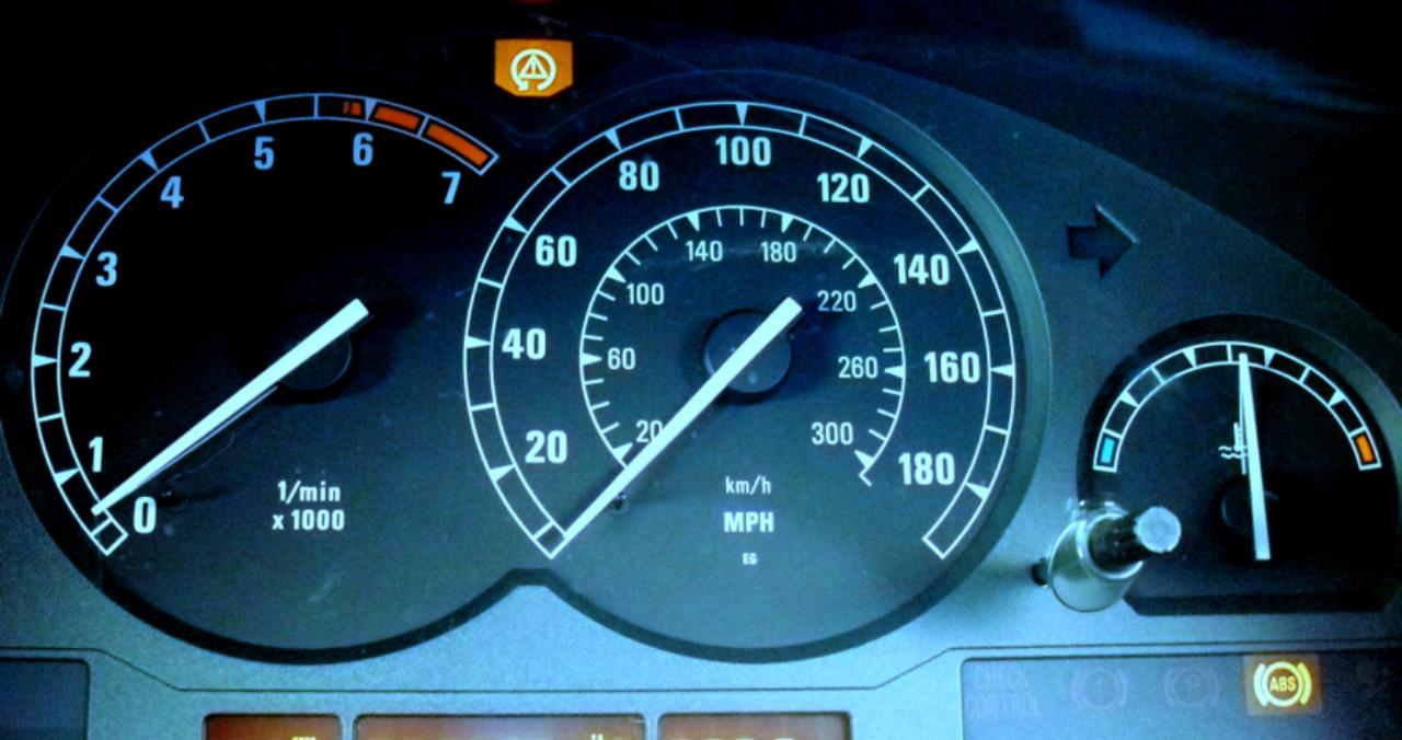 Timm's BMW E31 Solving ABS Pump Problems